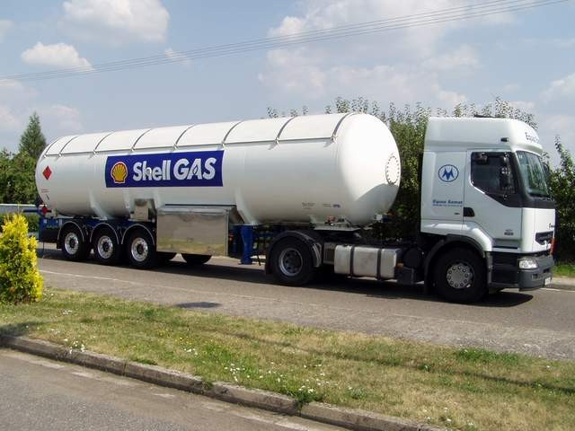 Tanker vehicles for LPG